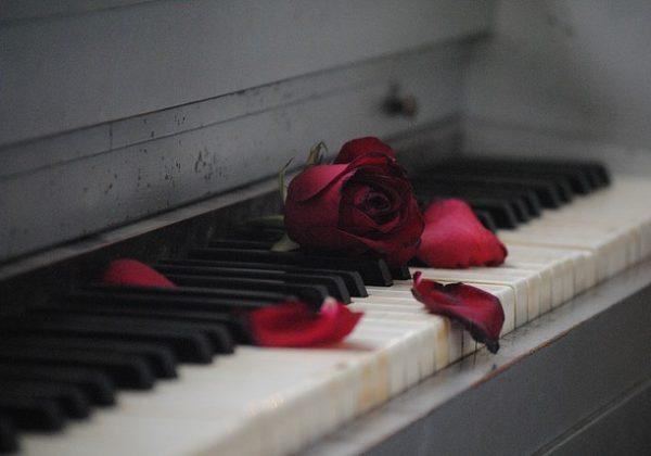 piano-571968_640